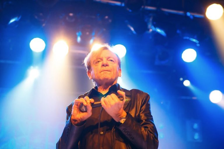 Watch Mark E. Smith's spectacular final ever stage entrance with The Fall