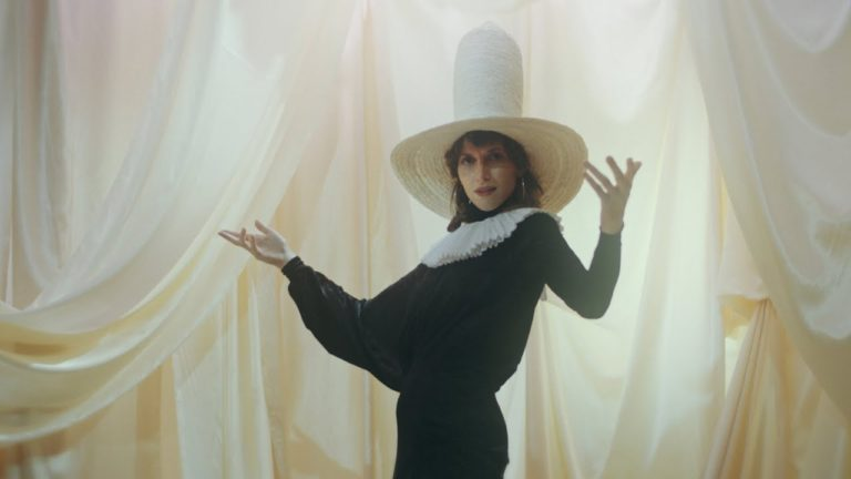 Aldous Harding announces her new album with the brilliant new song 'The Barrel'