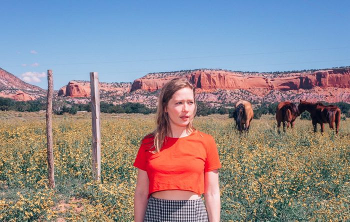 Julia Jacklin shares new dreamy live video for 'Comfort'