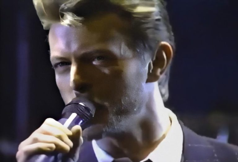 David Bowie's Tin Machine performing 'Heaven's Here' 1989
