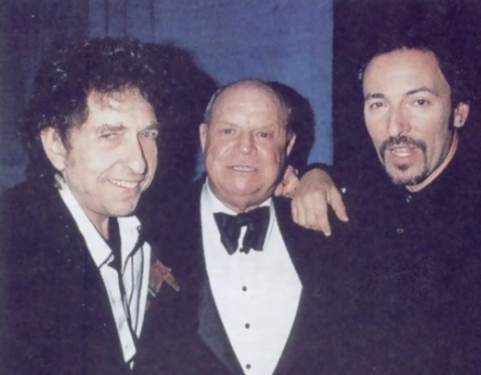 When Bob Dylan performed 'Restless Farewell' in tribute to the great Frank Sinatra