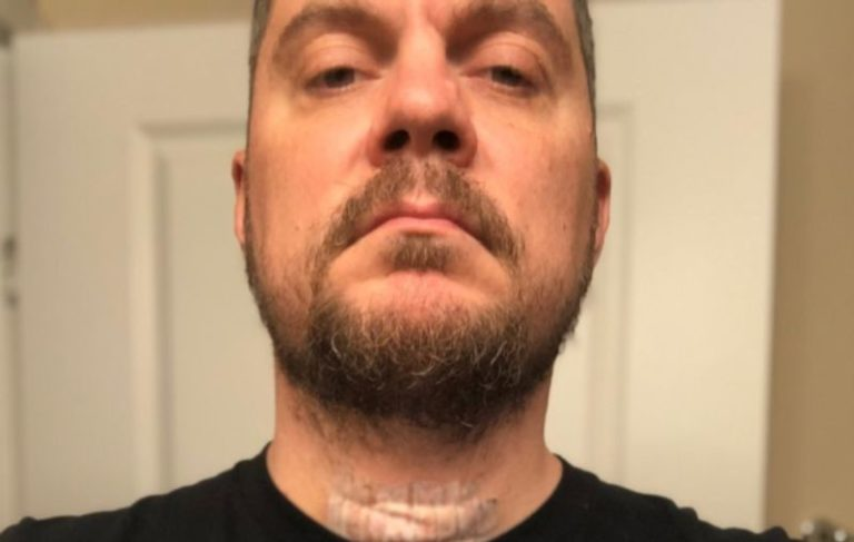 Chimaira lead singer Mark Hunter diagnosed with cancer
