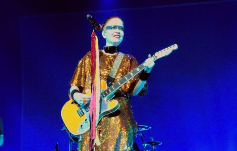 """Shirley Manson details emotional past as a """"teenage cutter"""" and self harm issues"""
