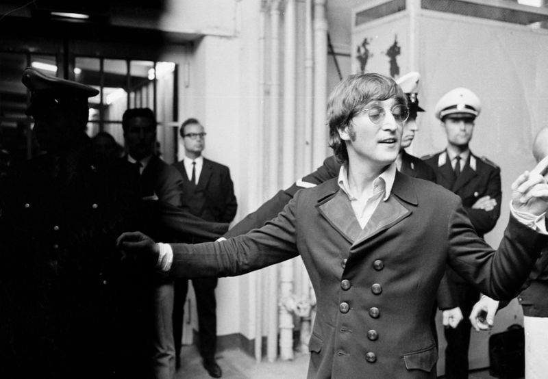 The Beatles, John Lennon, Paris, 1965