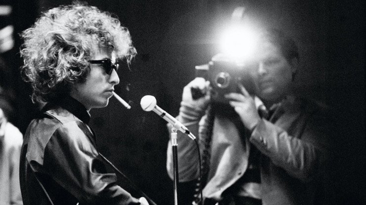 Legendary music documentarian D.A. Pennebaker who made 'Don't Look Back' and 'Ziggy Stardust' has died at 94