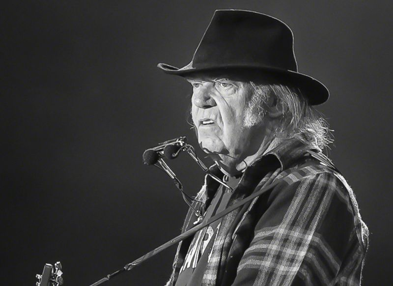 """Neil Young: """"My black brothers and sisters have suffered long enough"""""""