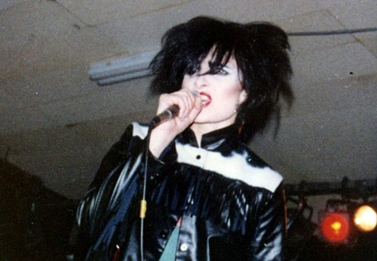Listen (if you can) to Siouxsie Sioux and The Banshees provocative debut at 100 club