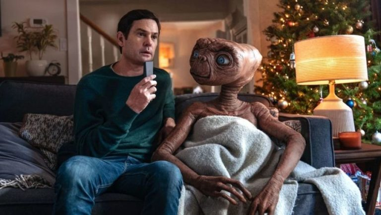 Watch as E.T. returns to earth to meet grown-up Elliott in a new holiday clip