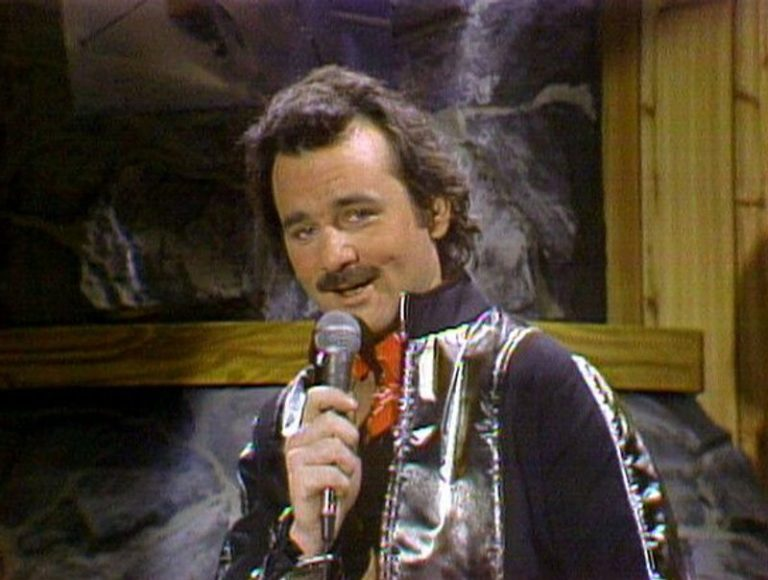 Watch a young Bill Murray sing a sexy rendition of the 'Star Wars' theme