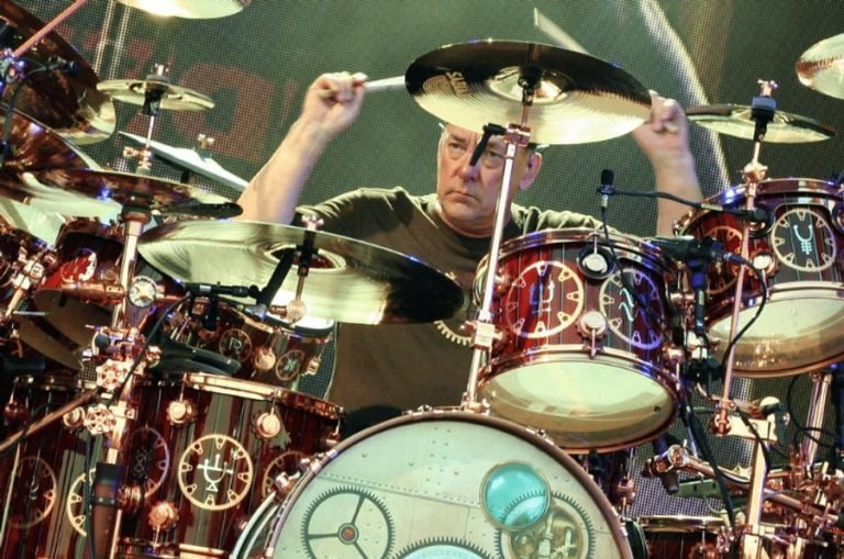 Dave Grohl writes heartfelt tribute to Rush drummer Neil Peart