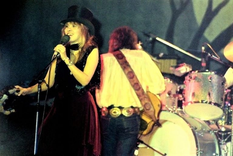The dramatic tension of Fleetwood Mac on The Old Grey Whistle Test performing 'Rhiannon' & 'Go Your Own Way'
