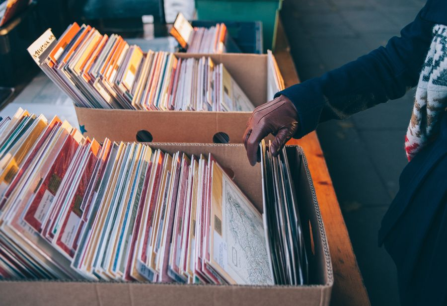 UK vinyl album sales hit record high in 2019