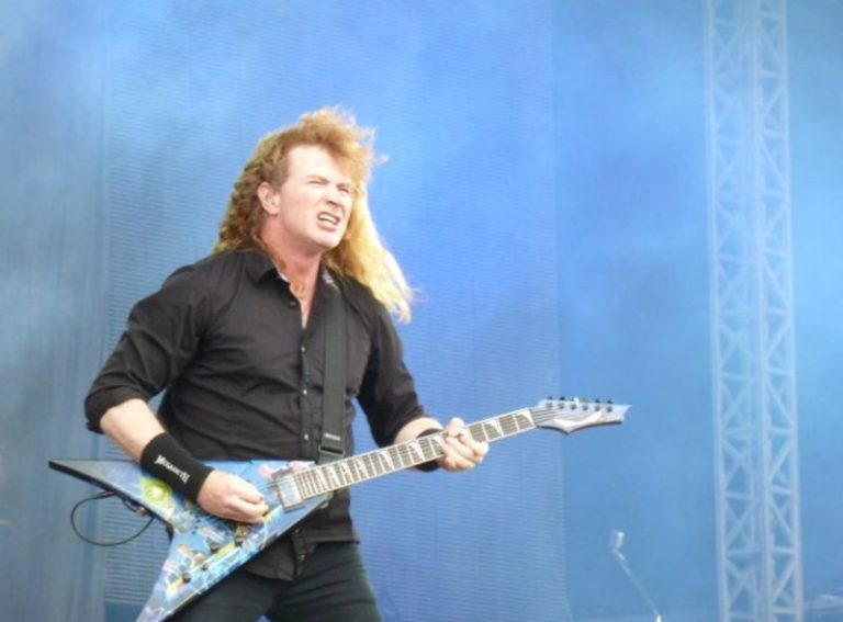 """Megadeth's Dave Mustaine is now """"100% free of cancer"""""""