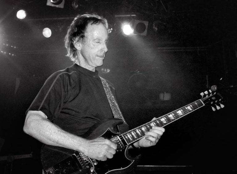 The Doors guitarist Robby Krieger announces first solo album in 10 years