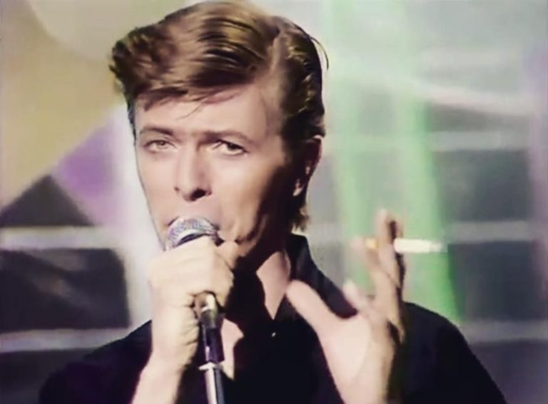 David Bowie's ''LiveAndWell' live album to get first-ever public release
