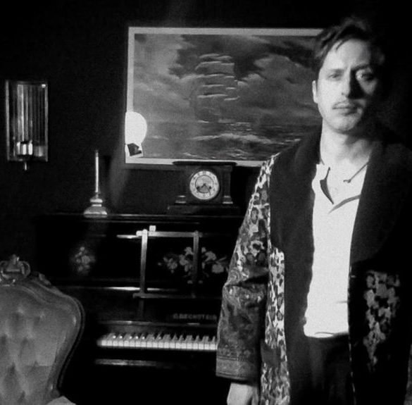The Libertines frontman Carl Barât launches online series to help people self-isolating