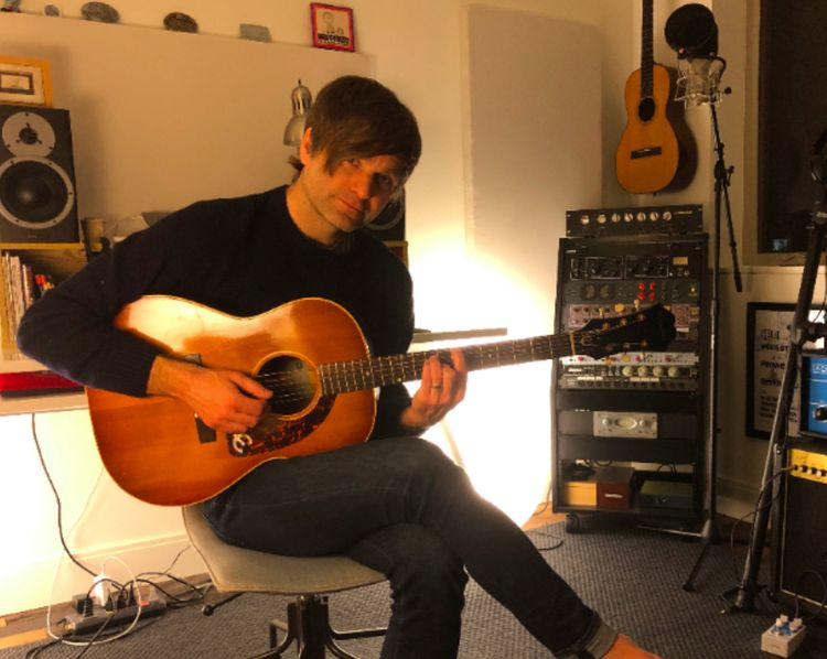 Watch Ben Gibbard cover Nirvana during lockdown