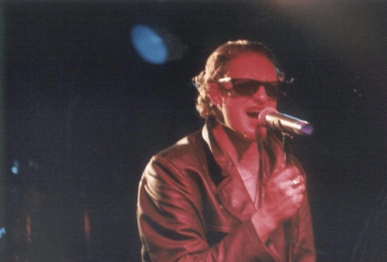 When Alice In Chains' Layne Staley beat up a Nazi during a live show, 1993