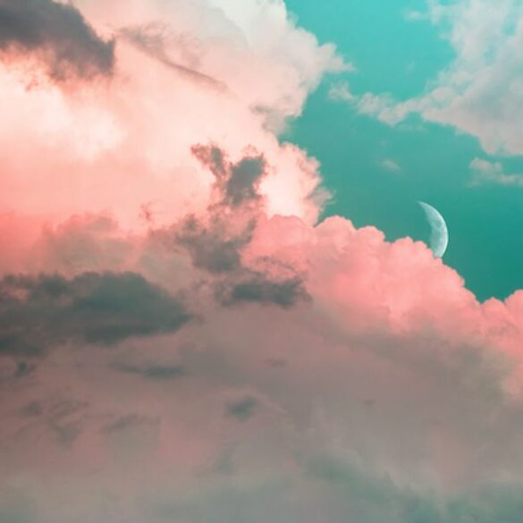 Ambient and relaxing music playlist to keep you calm during lockdown