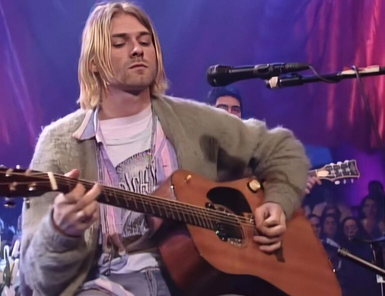 Kurt Cobain's MTV Unplugged guitar to be sold at auction for $1million