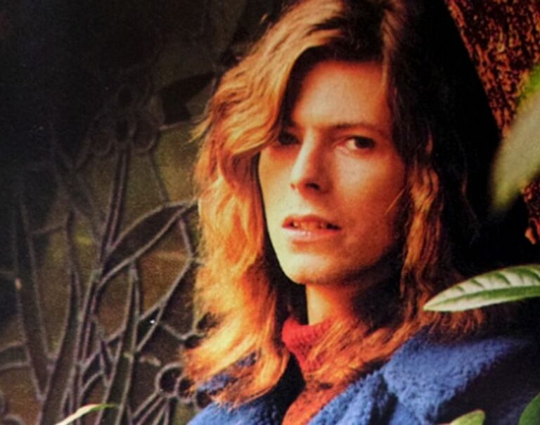 Revisiting David Bowie's Arnold Corns Pink Floyd inspired 'Moonage Dream'