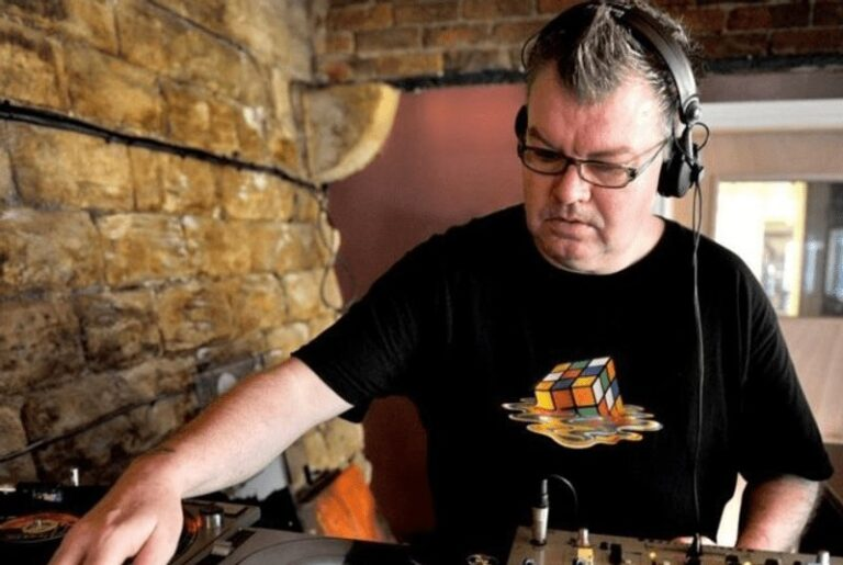 Tributes pour in as Manchester DJ Dave Booth dies