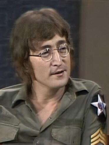 Watch John Lennon reveal the true reason why The Beatles split up while appearing on The Dick Cavett Show in 1971
