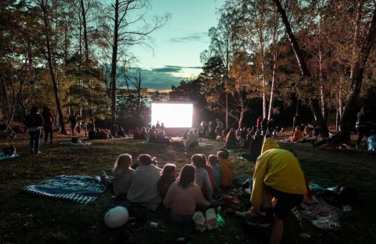 A new socially distanced outdoor cinema is launching in London (1)