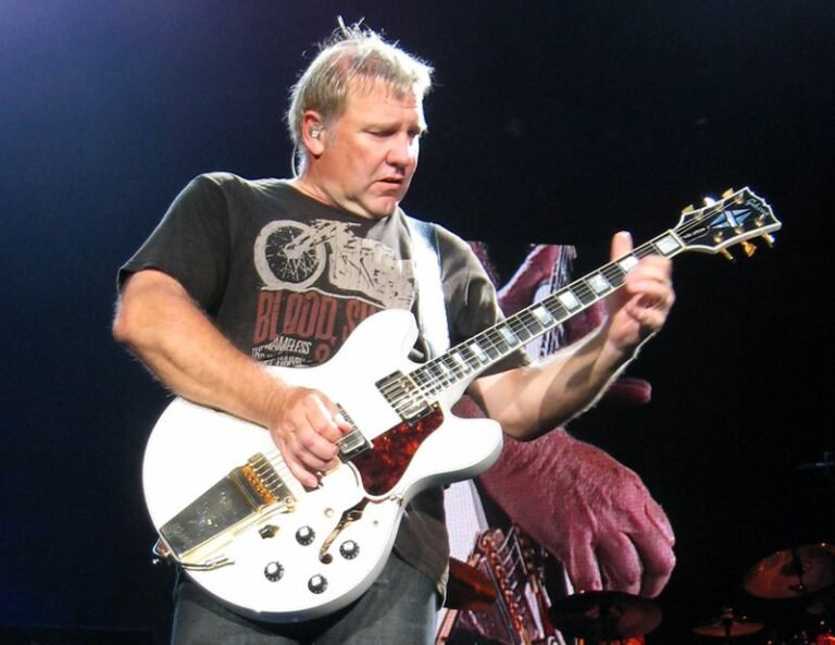 Listen to Alex Lifeson's remarkable isolated guitar on Rush classic 'Tom Sawyer'