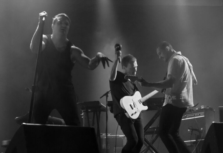 Cold War Kids reveal new short tour documentary