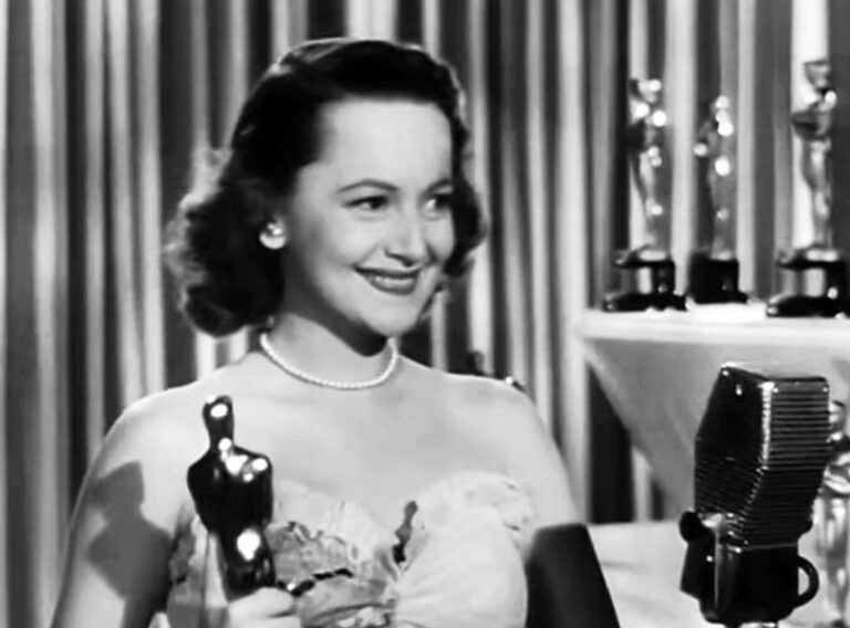Olivia de Havilland, star of 'Gone With the Wind', dies at 104