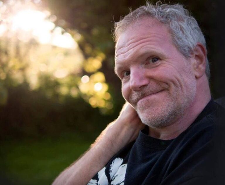 Tim Smith, the lead singer of the Cardiacs, has died at the age of 59