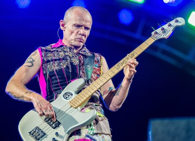 Listen to Red Hot Chili Peppers song 'Blood Sugar Sex Magik' through Flea's isolated bass