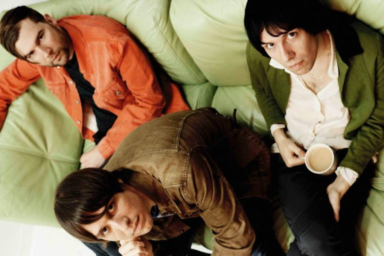 The Cribs share new song 'I Don't Know Who I Am' featuring Lee Ranaldo