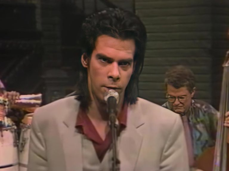 Watch Nick Cave's game-changing cover Jimi Hendrix song 'Hey Joe' live in 1990