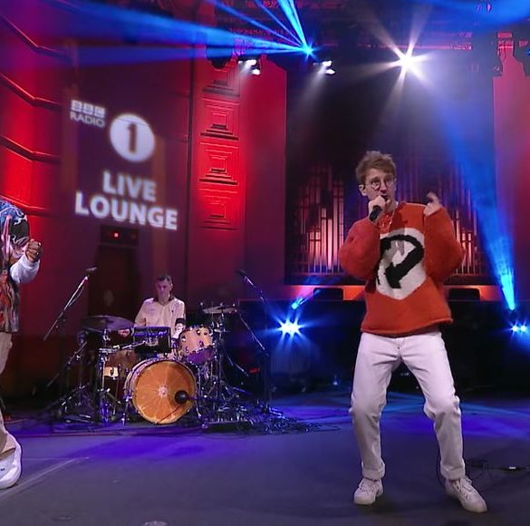 Glass Animals and Arlo Parks perform 'Tangerine' in Radio 1's Live Lounge