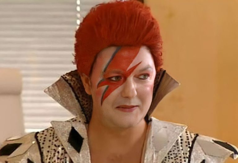 Before 'The Office', Ricky Gervais created the David Bowie-inspired show 'Golden Years '